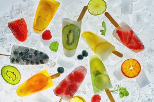 집에서 만드는 과일 아이스의 얼음에 - 냉동식품 뉴스 사진 이미지