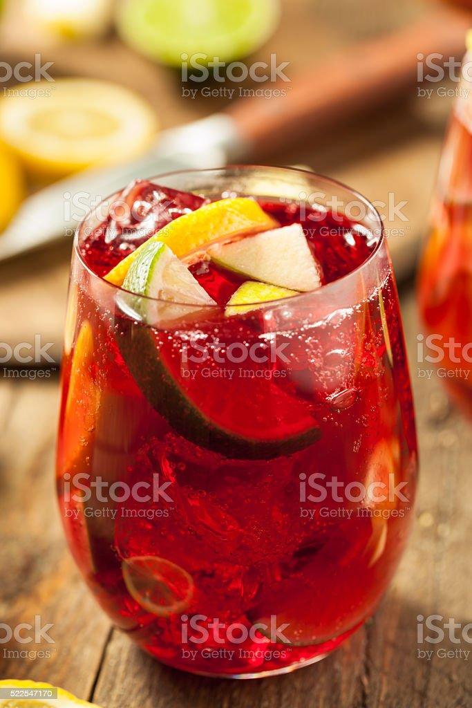 Hausgemachte Frucht Spanische Rote Sangria Stock-Fotografie und mehr ...