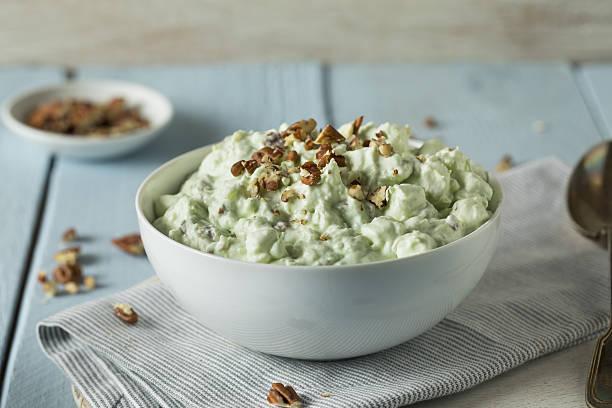 Homemade Green Pistachio Fluff Dessert - foto de stock