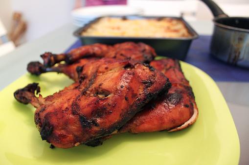 Homemade Grilled Chicken — стоковые фотографии и другие картинки Барбекю