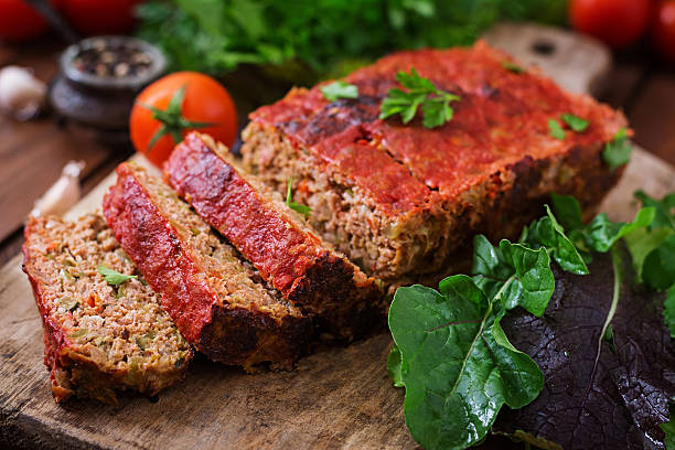 Homemade ground meatloaf with vegetables. – Foto