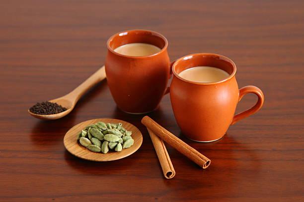 doce chai indiano caseiro - chá bebida quente - fotografias e filmes do acervo