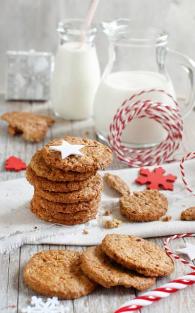 hausgemachte haferkekse - hafer cookies stock-fotos und bilder