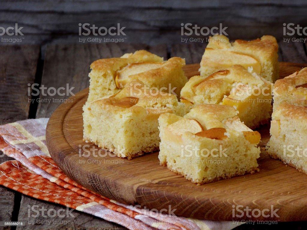 Homemade organic piece corn apple pie with cinnamon - foto de acervo