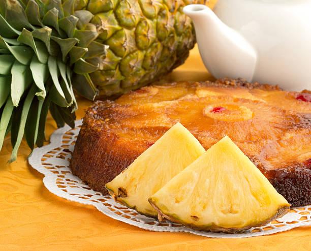 hausgemachte ananas-kuchen - ananaskuchen stock-fotos und bilder