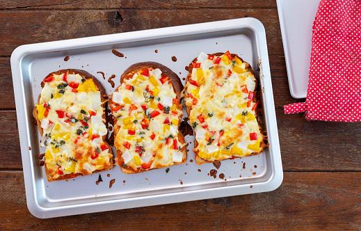 homemade pizza toast