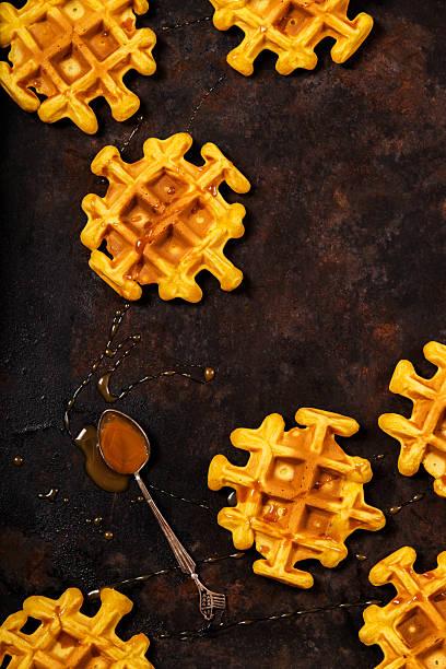 homemade pumpkin waffles - zimt waffeln stock-fotos und bilder