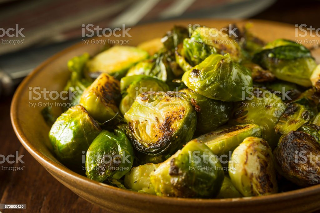Homemade Roasted Green Brussel Sprouts – zdjęcie