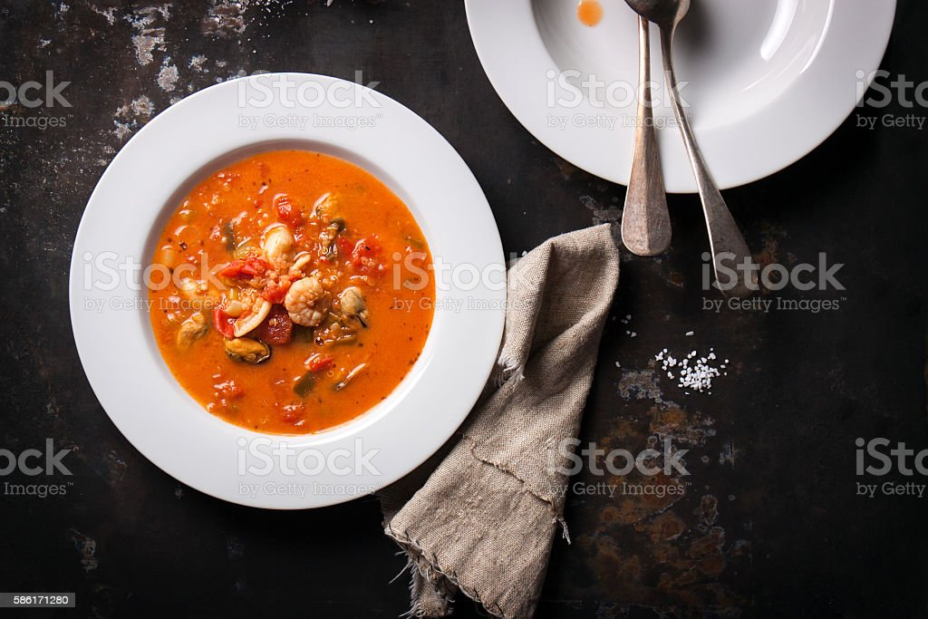 Homemade seafood soup with tomato sauce and coconut milk – Foto