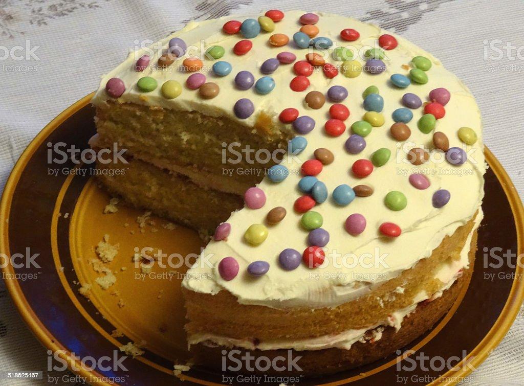 Hausgemachte Schwamm Kuchen Mit Sahne Und Marmelade Mit Zuckerguss