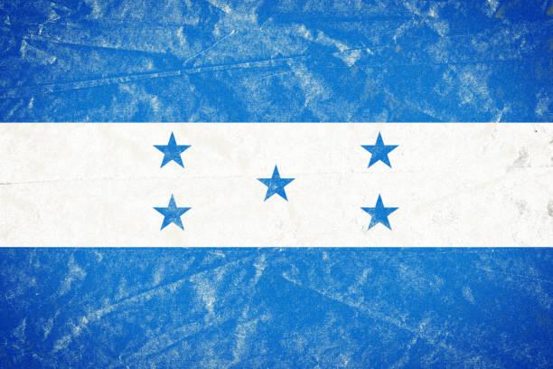 bandera de honduras en grunge desmenuzado arrugado papel afiche - bandera de honduras fotografías e imágenes de stock