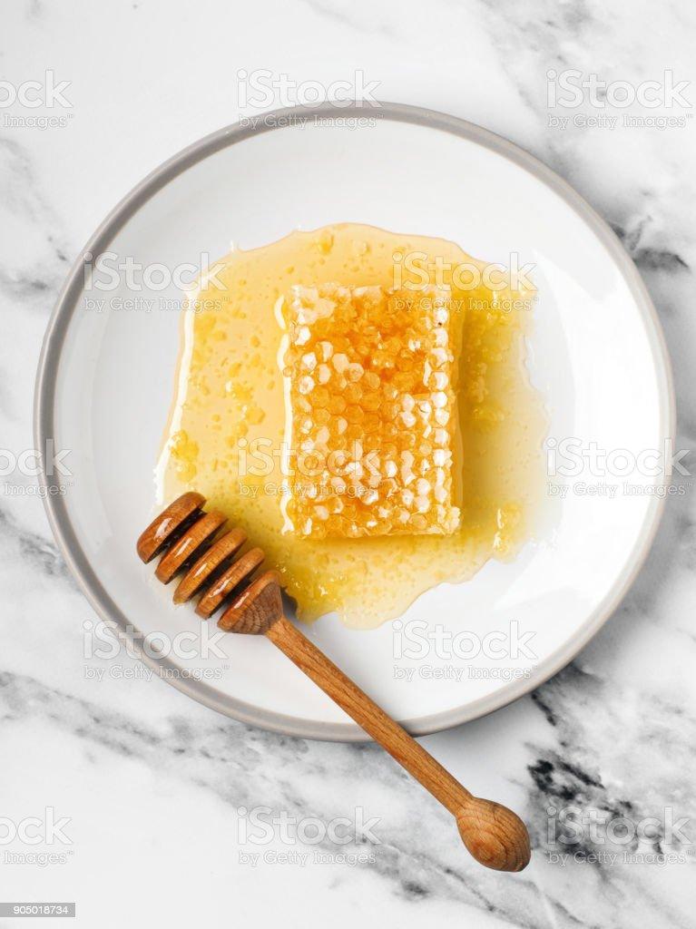 Bal ve arı hücreleri stok fotoğrafı
