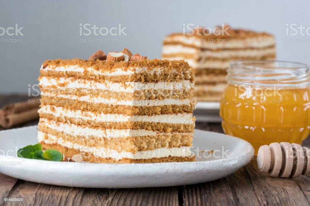 Honig Kuchen Medovik Russischer Kuchen Stock Fotografie Und Mehr
