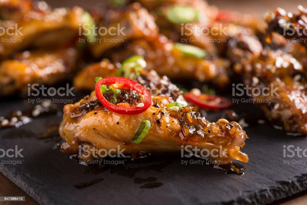 Honey Serrano Chicken Wings - foto de acervo