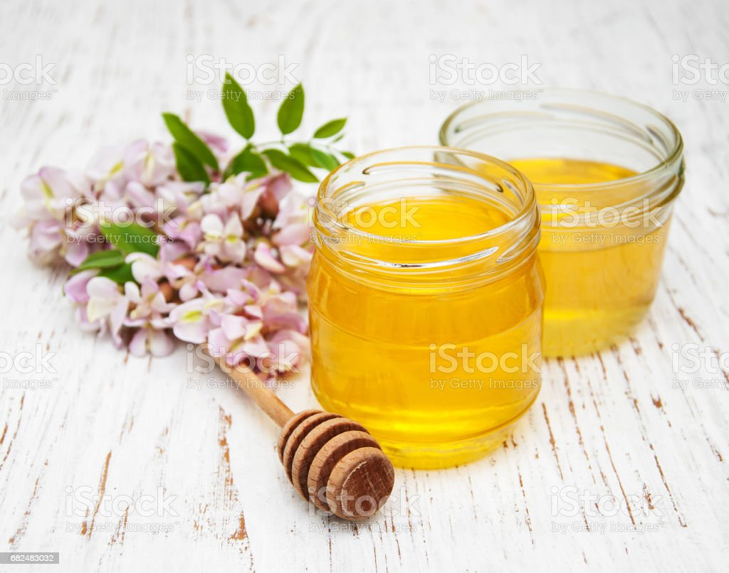 honey with acacia blossoms foto stock royalty-free