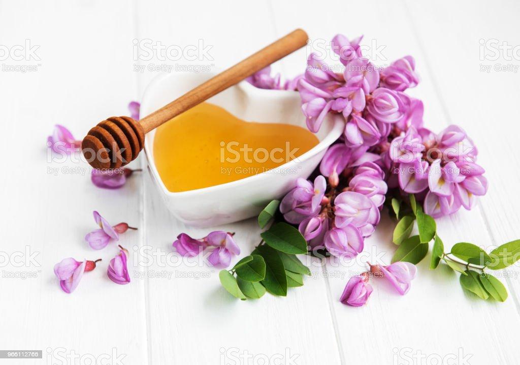 Honing met acacia bloesems - Royalty-free Acacia Stockfoto
