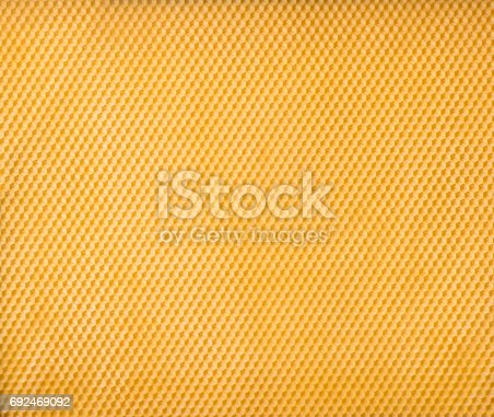 istock Honeycomb foundation plate pattern. 692469092