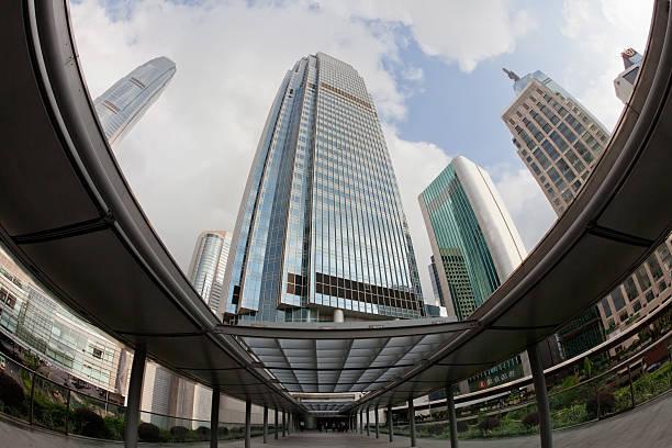 central district von hong kong - hang seng index stock-fotos und bilder