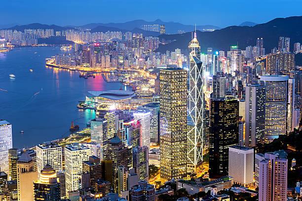 famosa vista nocturna de hong kong - hong kong fotografías e imágenes de stock