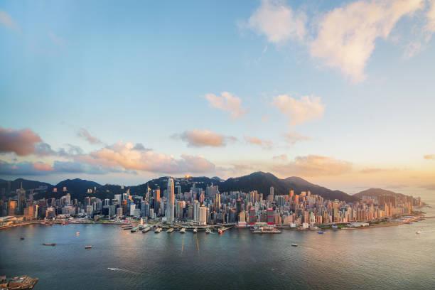 hong kong victoria harbor from air - hong kong foto e immagini stock