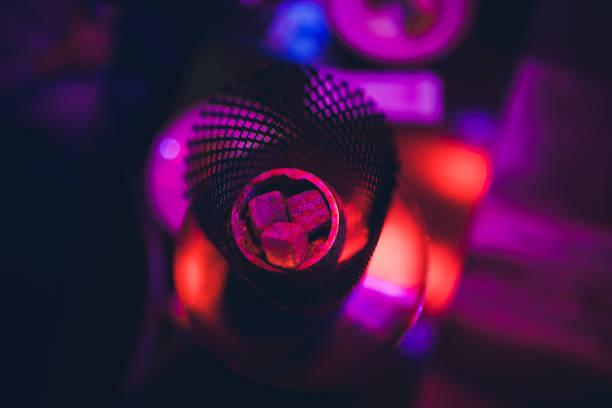 Hookah heiße Kohlen für das Rauchen und Freizeit in der natürlichen Beleuchtung. – Foto