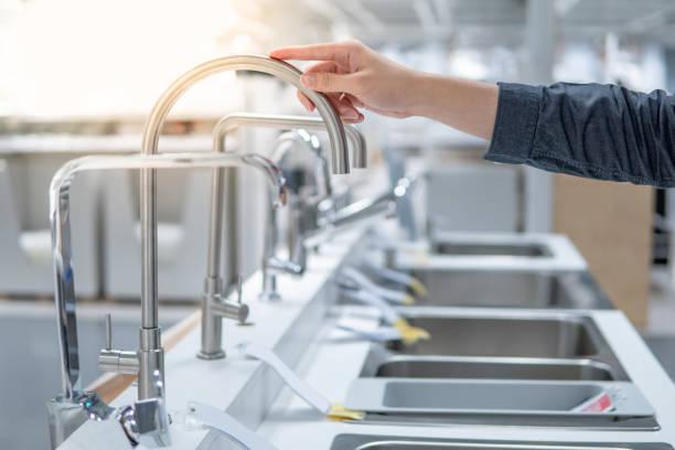 Hoosing Edelstahl Wasserhahn in Möbelhaus – Foto