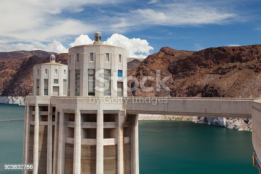 istock Hoover Dam Towers on the blue Lake Mead. 923832786