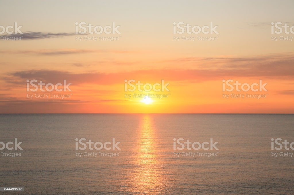 Horizont und Sonnenaufgang – Foto