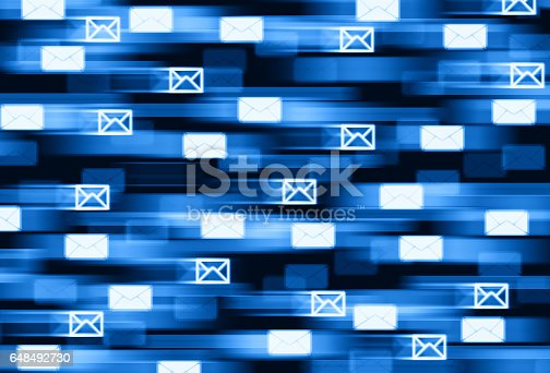 istock Horizontal fast mail delivery illustration background 648492730