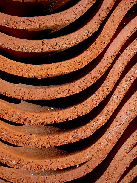 horizontal winding clay structure - deviate stock pictures, royalty-free photos & images