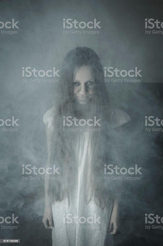 Horror girl in white dress photo libre de droits