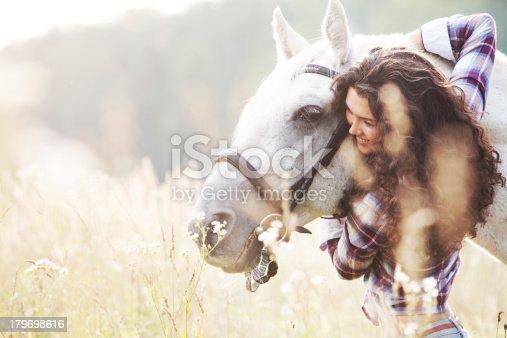 1128475475 istock photo Horse 179698616