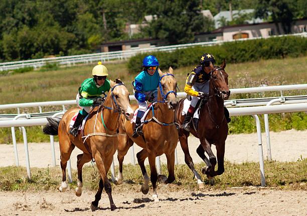 Horse racing picture id486132614?b=1&k=6&m=486132614&s=612x612&w=0&h=xqo4qwlkys4pxeuim9g 6ryps7guldvjp 9wavyxxgc=