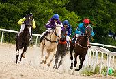 istock Horse racing 500321053