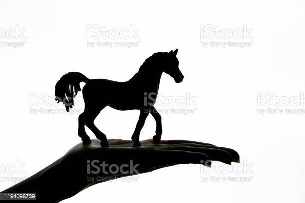 Horse silhouette picture id1194096739?b=1&k=6&m=1194096739&s=612x612&h=2wi9acrbzlssdlw8gzpof7krq6 ma07ul cen tixoy=