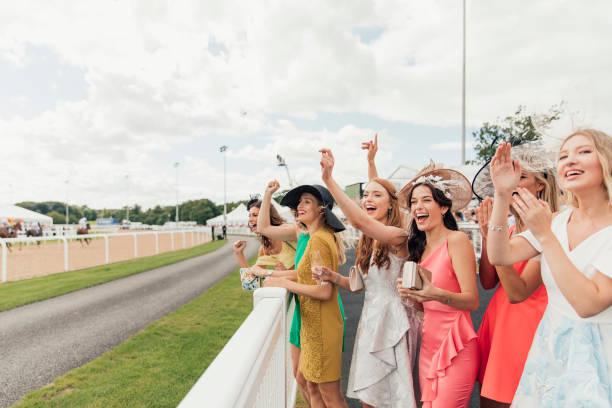 Chevaux de course sur la journée des dames - Photo