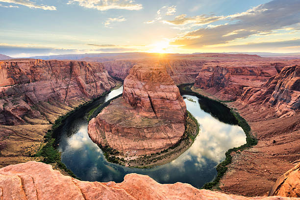 horseshoe bend at sunset - colorado river, arizona - hdri landscape stockfoto's en -beelden