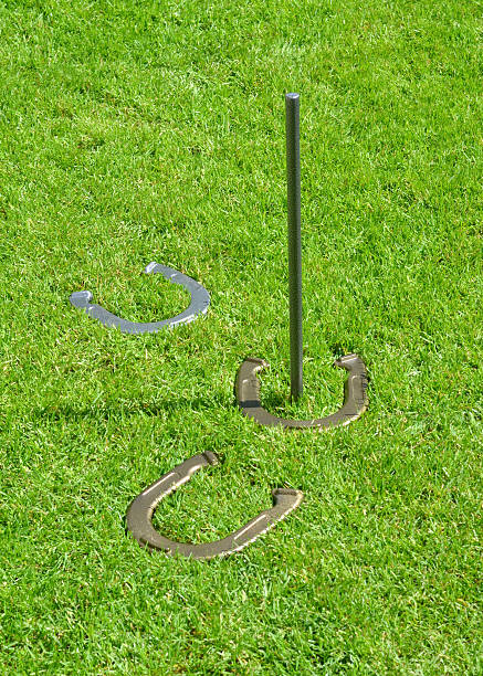 how to set up a game of horseshoes