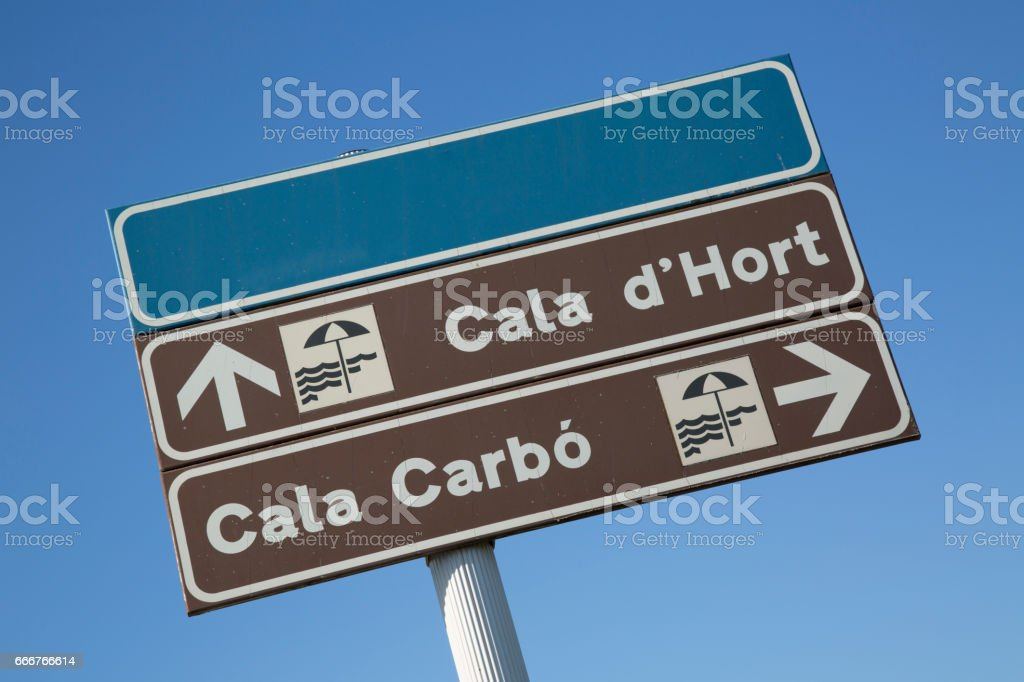 Hort and Carbo Coves Direction Sign; Ibiza foto stock royalty-free