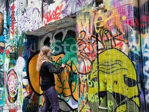 488380038 istock photo Hosier Lane in Melbourne, Australia 488380112
