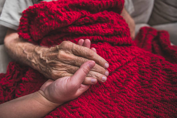 Hospice nurse visiting an elderly male patient picture id895072326?b=1&k=6&m=895072326&s=612x612&w=0&h=ozqimh9ivaq1b23pgnlkziyn4kfqtbn66wc1 tq61do=
