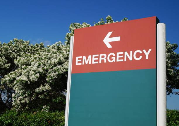 hospital emergency sign - inpatient stock pictures, royalty-free photos & images