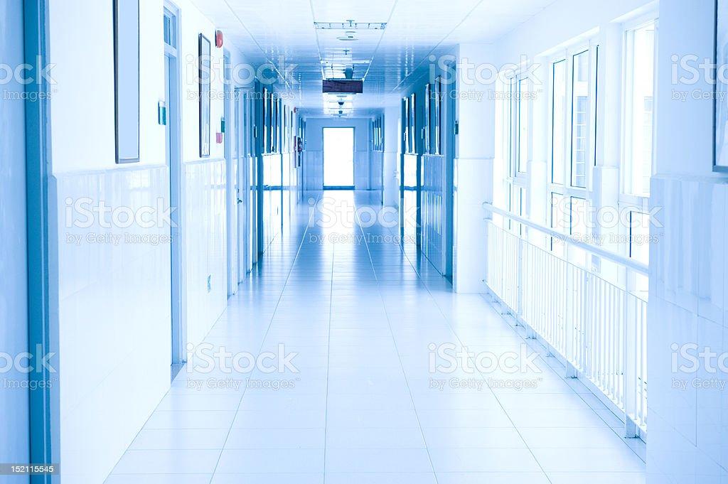 病院の廊下 - からっぽのロイヤリティフリーストックフォト