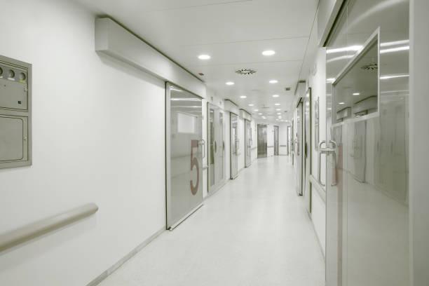 Krankenhaus Operationssaal Korridor. Medizinische Behandlung im Gesundheitszentrum. medizin – Foto
