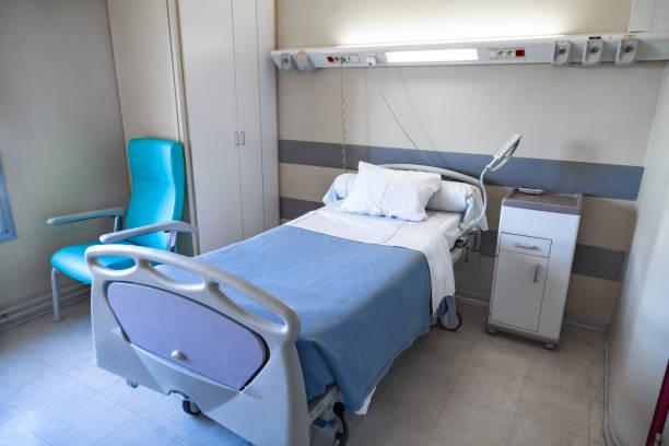 chambre d'hôpital - covid france photos et images de collection