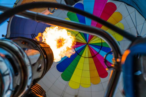 hot air balloon burner from the basket - hot air balloon стоковые фото и изображения