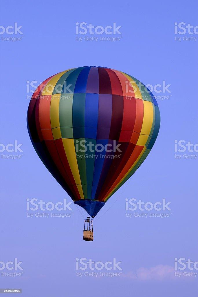 Montgolfière dans le ciel photo libre de droits