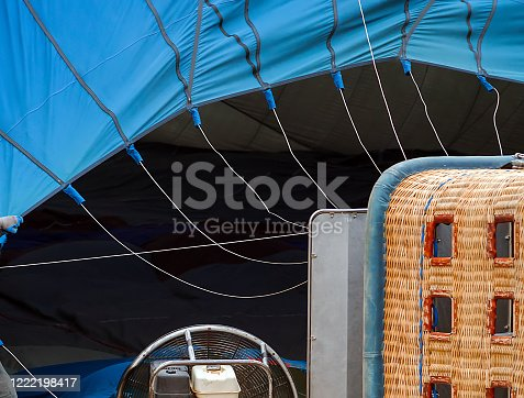 844061492 istock photo hot air balloons basket background 1222198417