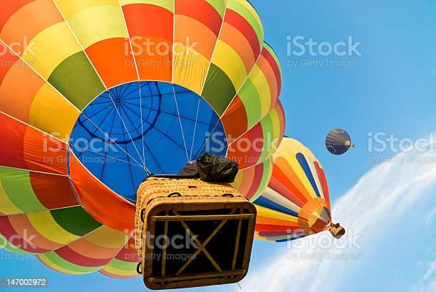Heißluftballon Hoch In Den Himmel Stockfoto und mehr Bilder von Abenteuer