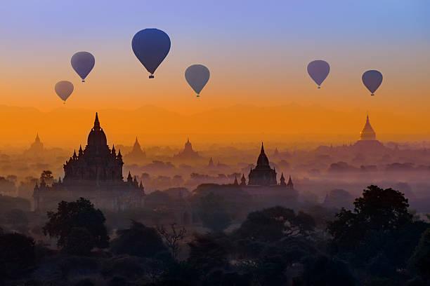 Hot air balloons in Bagan, Myanmar Hot air balloons in Bagan, Myanmar myanmar stock pictures, royalty-free photos & images